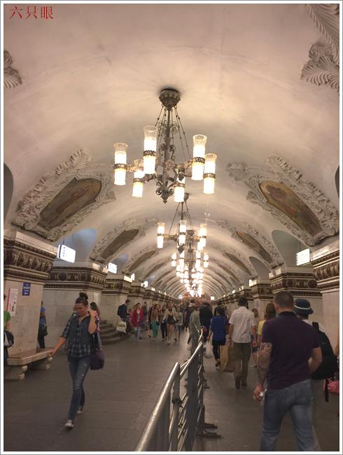 """六只眼:享有""""地下的艺术殿堂""""之美称的莫斯科地铁站_图1-2"""
