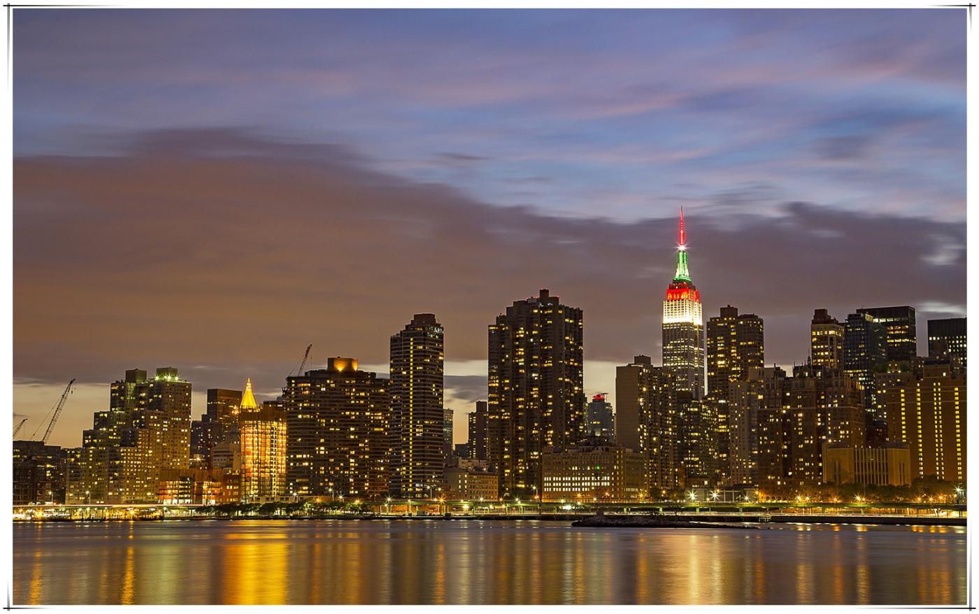帝国大厦放彩灯庆祝第二十五届纽约香港龙舟节_图1-1