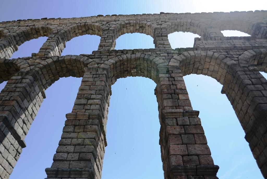 激情西班牙:浪漫的中世纪_图1-3