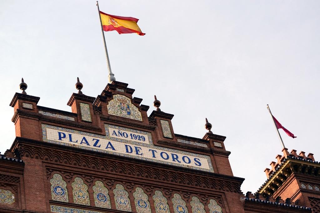 激情西班牙:午后的非正常死亡_图1-1