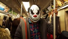 HALLOWEEN之夜、地铁站抓拍白骨精