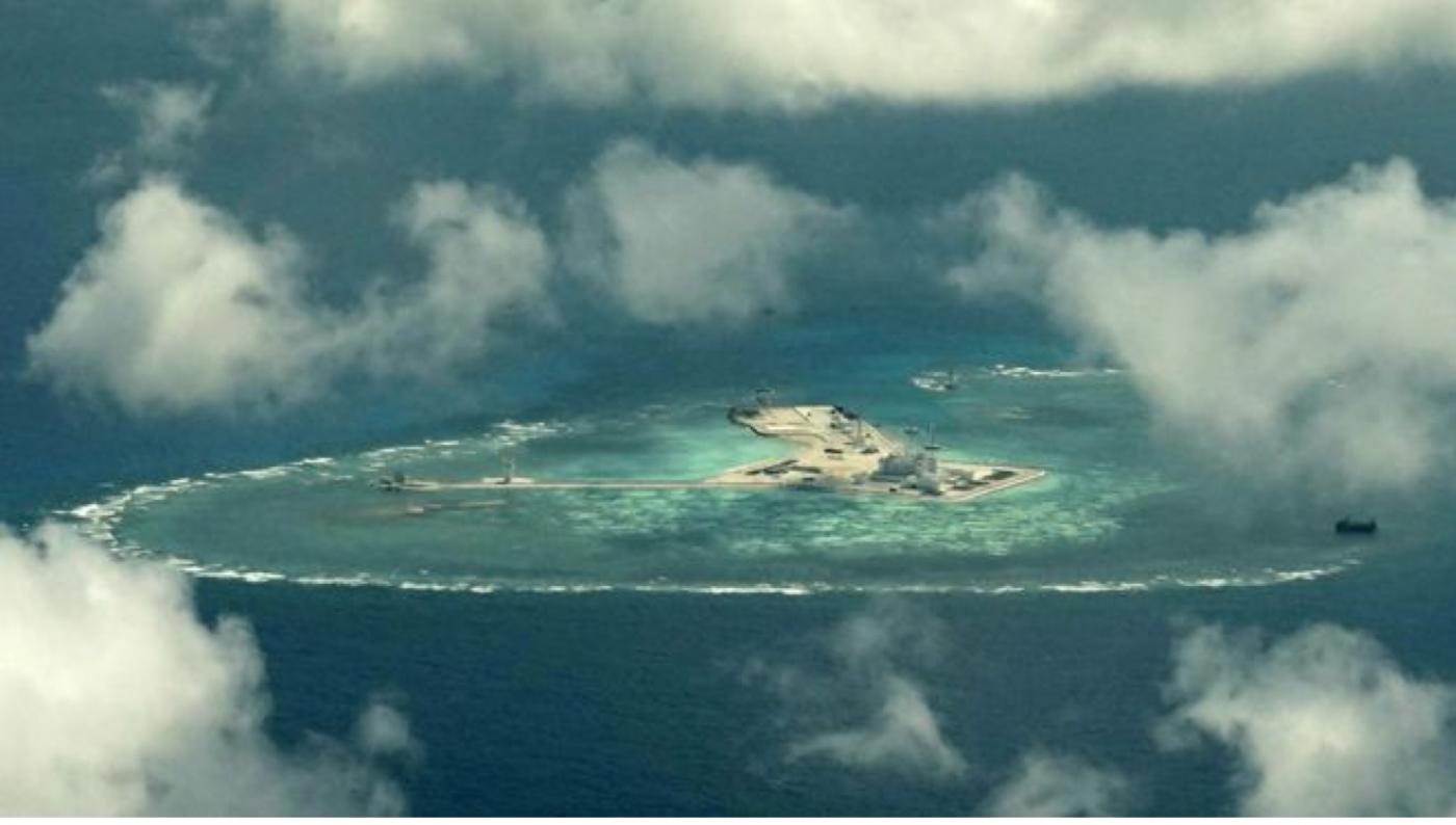 "BBC记者窥探中属""人造岛礁""实录_图1-6"