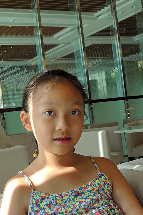 一個文氣學馬術的小女孩_图1-13