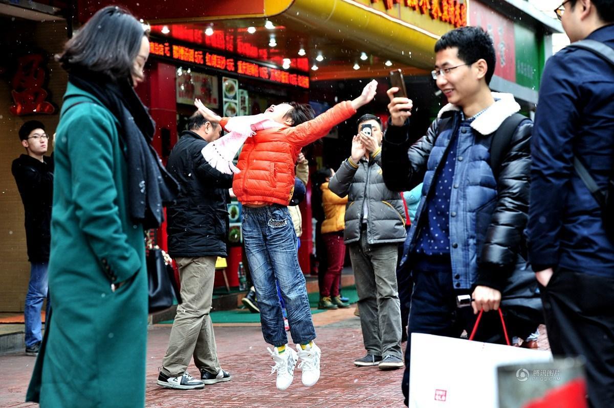 【四格照片】广州下雪啦_图1-1