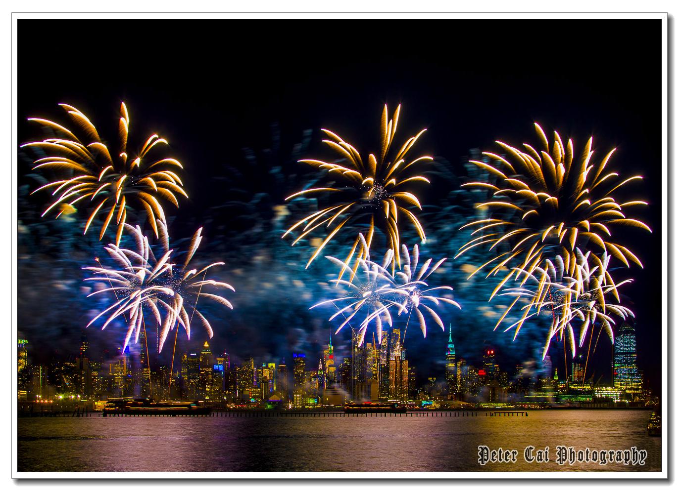 昨晚纽约施放焰火来庆祝中国猴年_图1-5