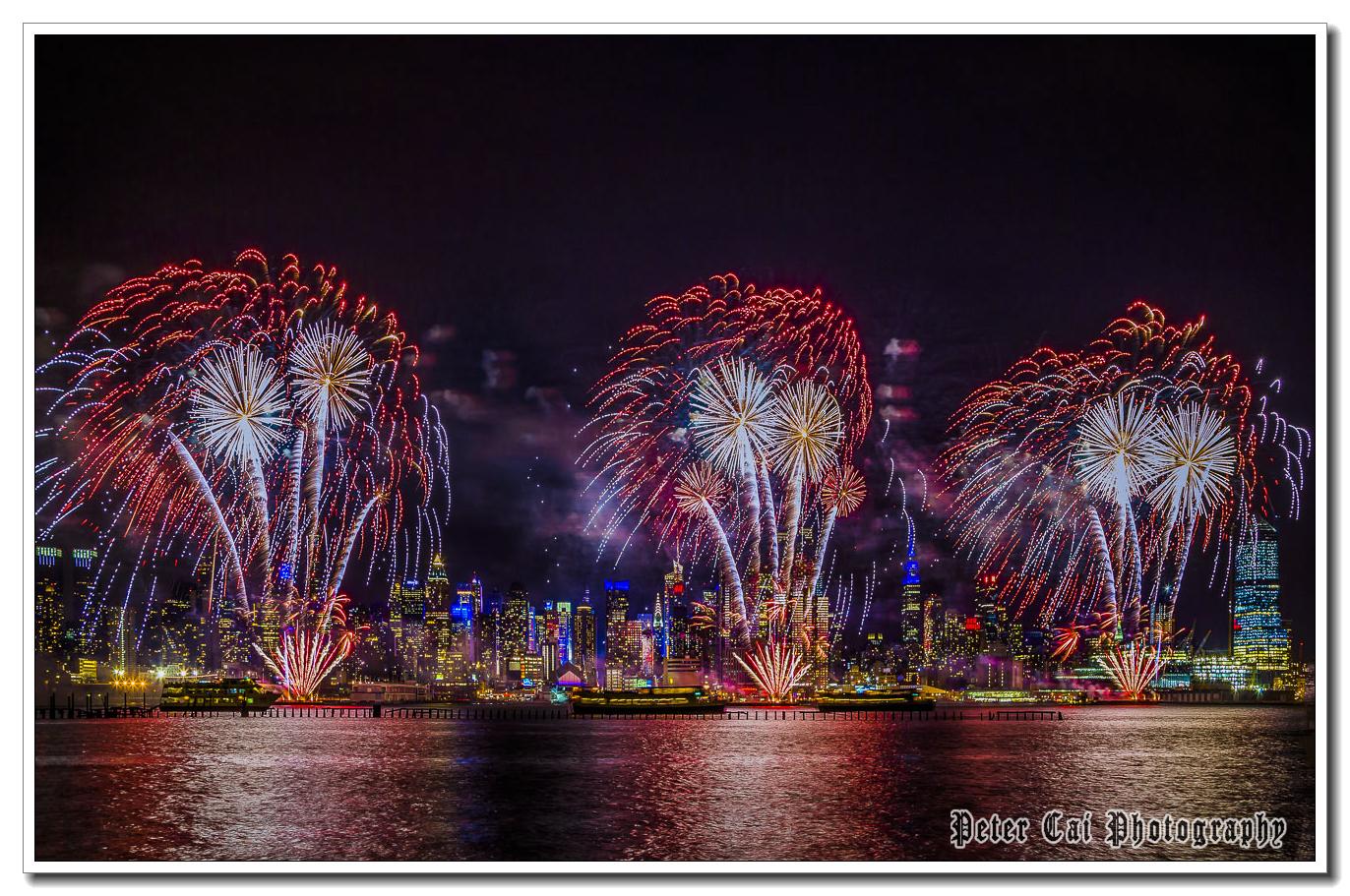 昨晚纽约施放焰火来庆祝中国猴年_图1-7