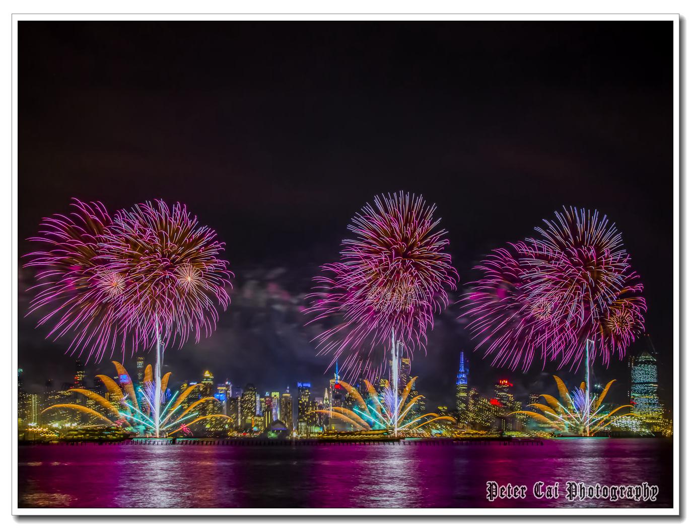 昨晚纽约施放焰火来庆祝中国猴年_图1-9