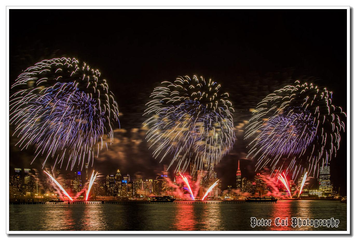 昨晚纽约施放焰火来庆祝中国猴年_图1-11