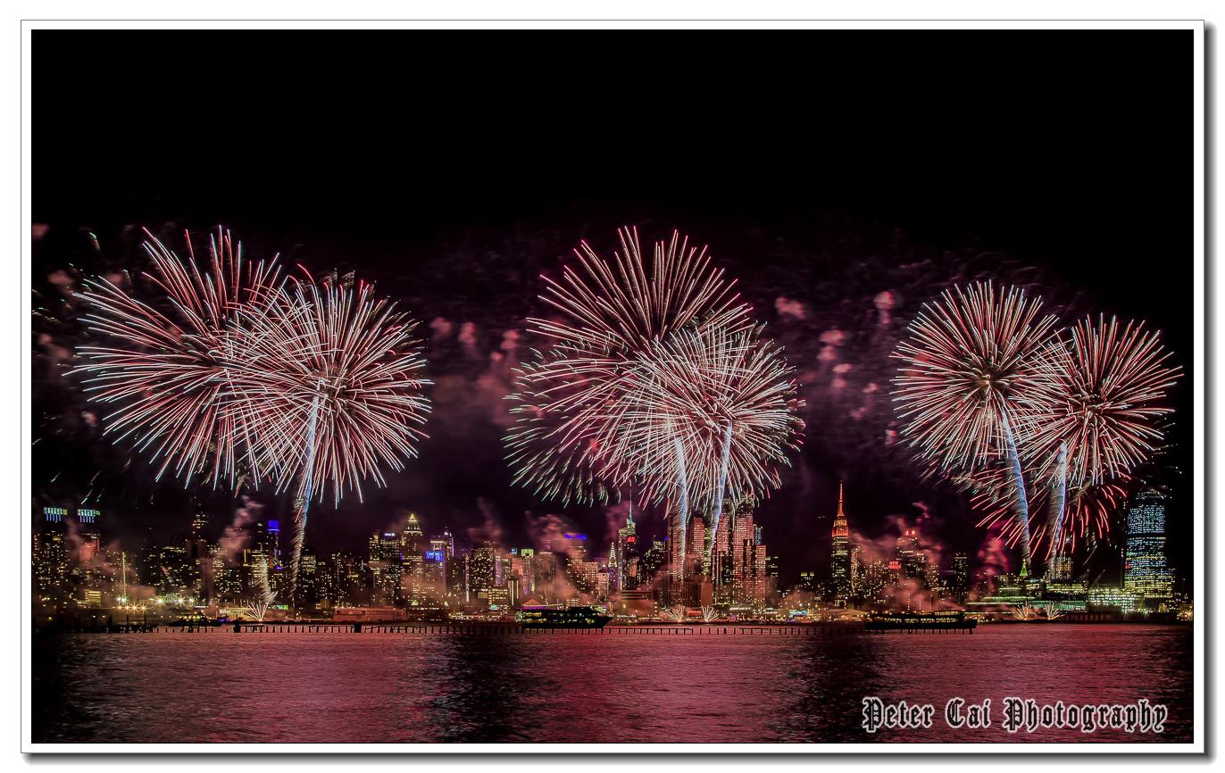 昨晚纽约施放焰火来庆祝中国猴年_图1-12