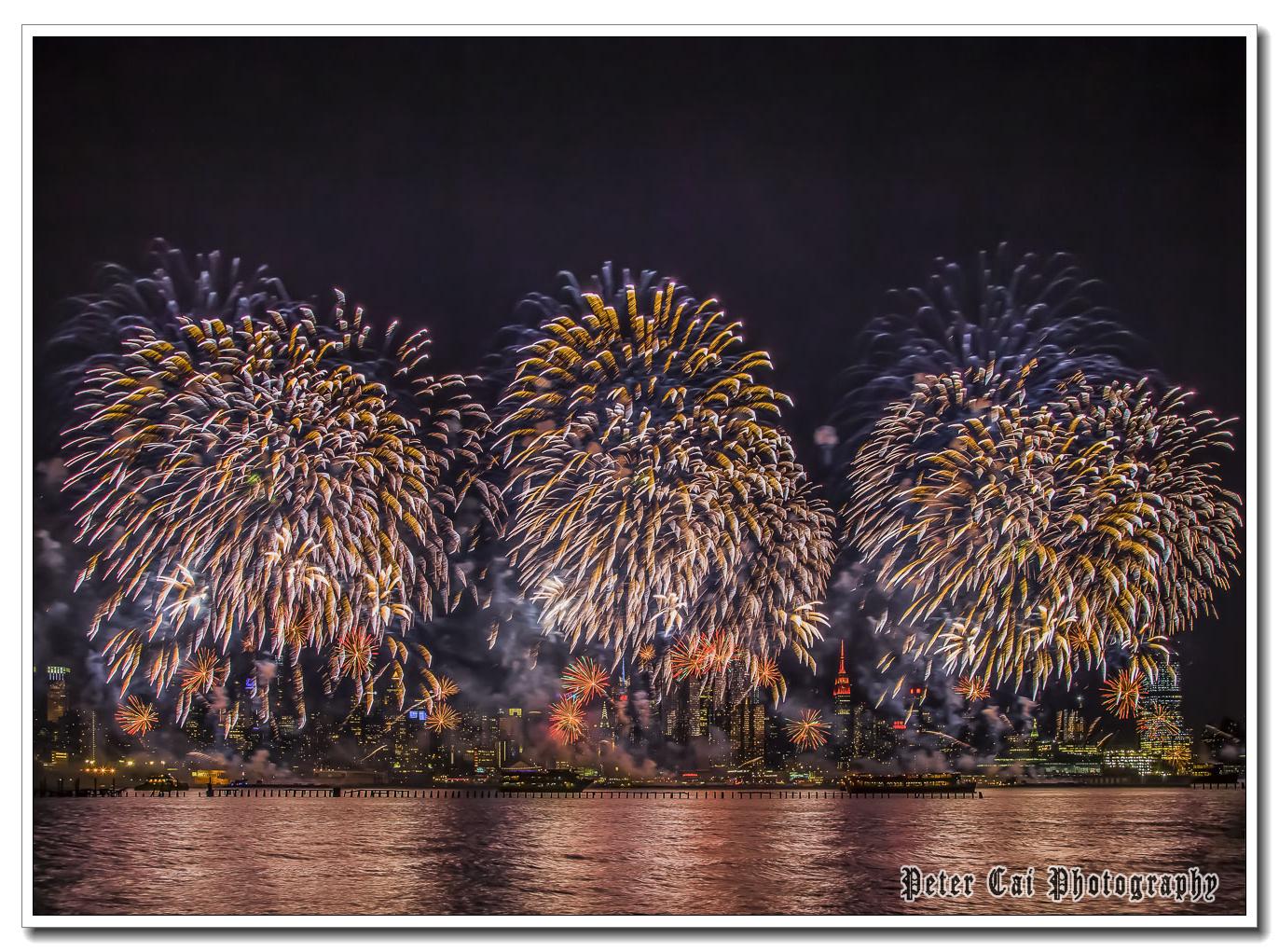 昨晚纽约施放焰火来庆祝中国猴年_图1-14
