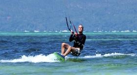 长滩岛东海岸风筝冲浪
