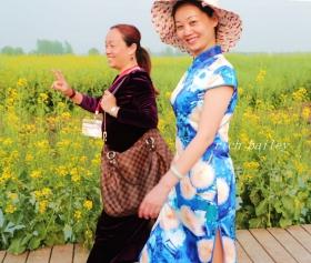 【小虫摄影】穿旗袍的女人--油菜花