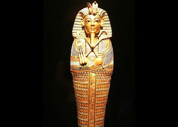 罕见 埃及法老王陪葬匕首 竟是太空陨石打造图片