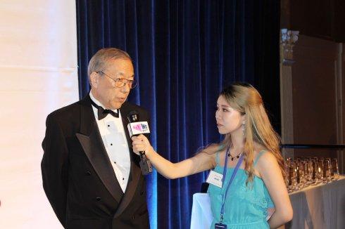 """美国""""50杰出亚裔企业家""""颁奖典礼 22位华裔获奖_图1-2"""