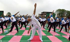 瑜伽vs太极:中国为什么不如印度?