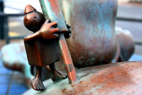 海牙.铜雕塑   2_图1-11