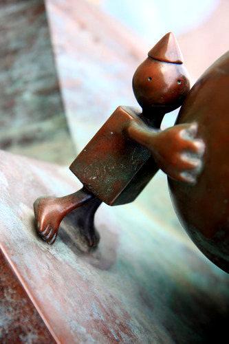 海牙.铜雕塑   2_图1-12