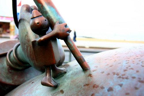 海牙.铜雕塑   2_图1-14