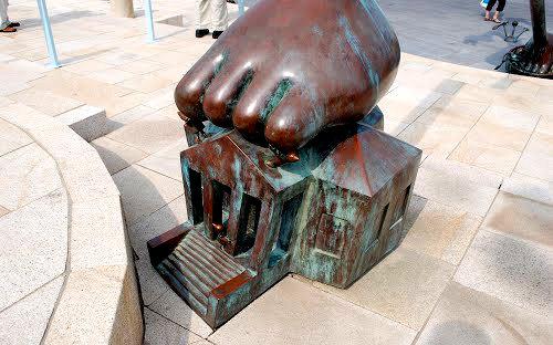 海牙.铜雕塑   2_图1-17