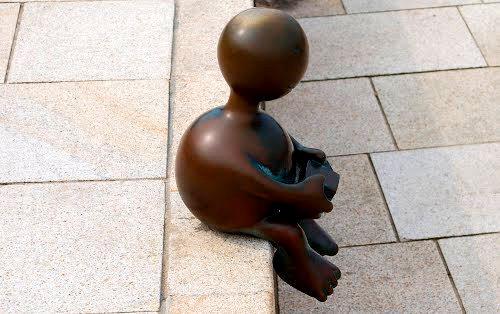 海牙.铜雕塑   2_图1-18