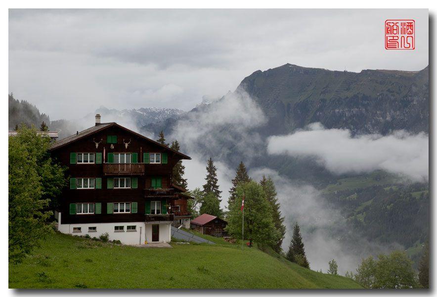 《酒一船摄影》:悬崖上的小镇,烟雨缪伦(Mürren)_图1-1