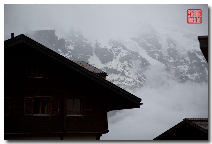 《酒一船摄影》:悬崖上的小镇,烟雨缪伦(Mürren)_图1-2