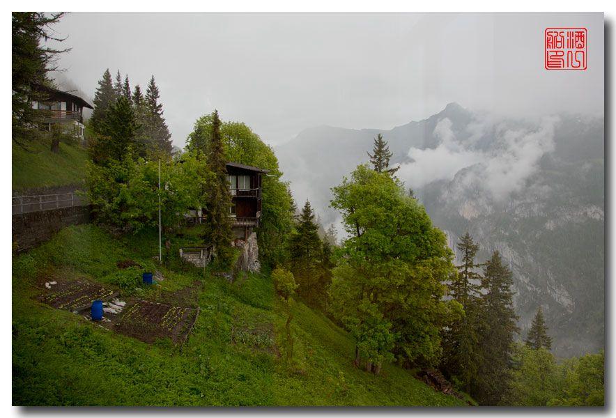《酒一船摄影》:悬崖上的小镇,烟雨缪伦(Mürren)_图1-3