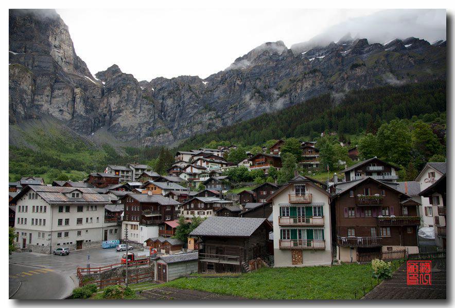 《酒一船摄影》:瑞士的温泉小镇:洛伊克巴德 (Leukerbad)_图1-1