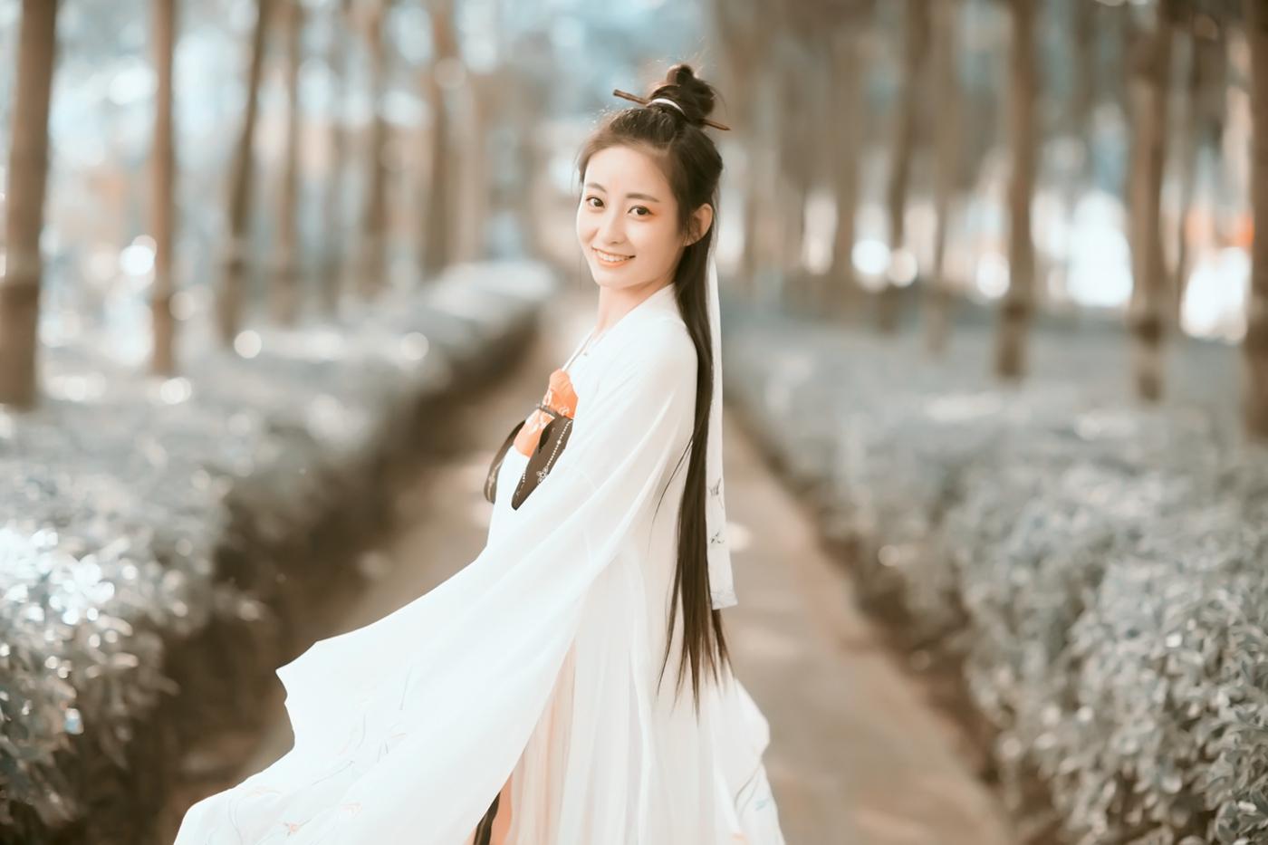 临沂大学汉服女孩张子怡的汉服梦 路边的演绎_图1-8