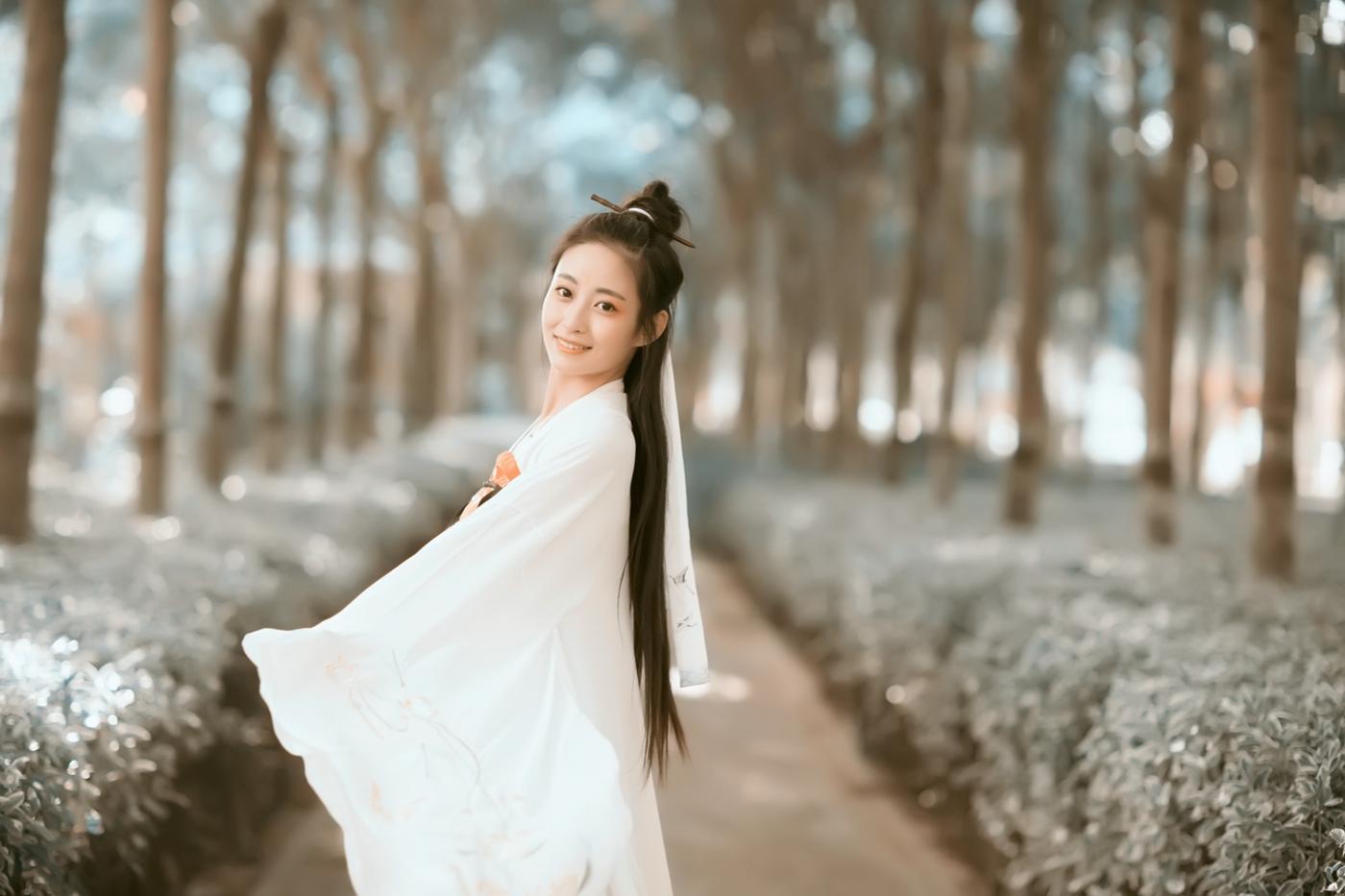 临沂大学汉服女孩张子怡的汉服梦 路边的演绎_图1-11