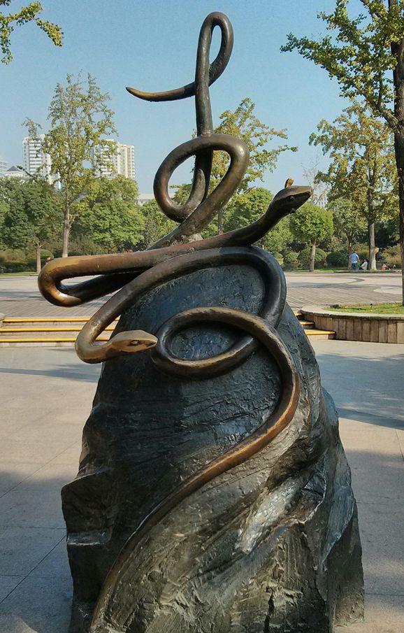 十二生肖铜雕像_图1-6