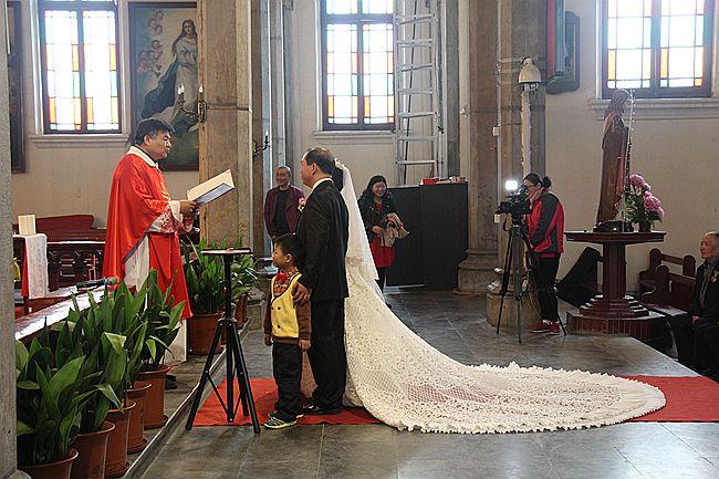 教堂婚礼随拍_图1-15