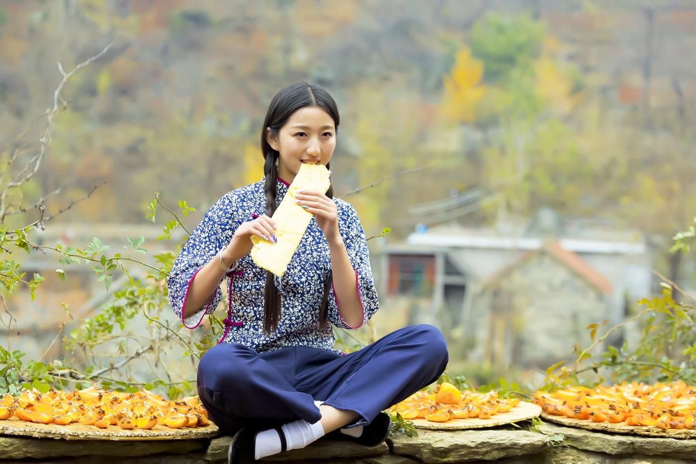 """蒙山人家走来一位可爱的""""煎饼mm"""" 地道的临沂大嫚范_图1-6"""