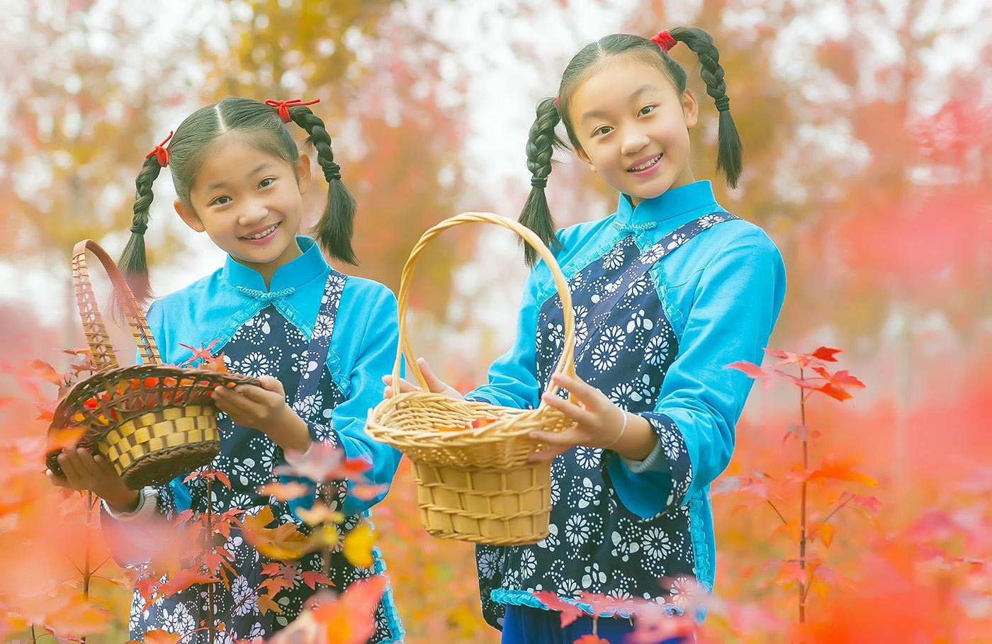 沂蒙山区竟然有这么一片童话般的树林 沂蒙小精灵火红的童年来袭 ..._图1-2