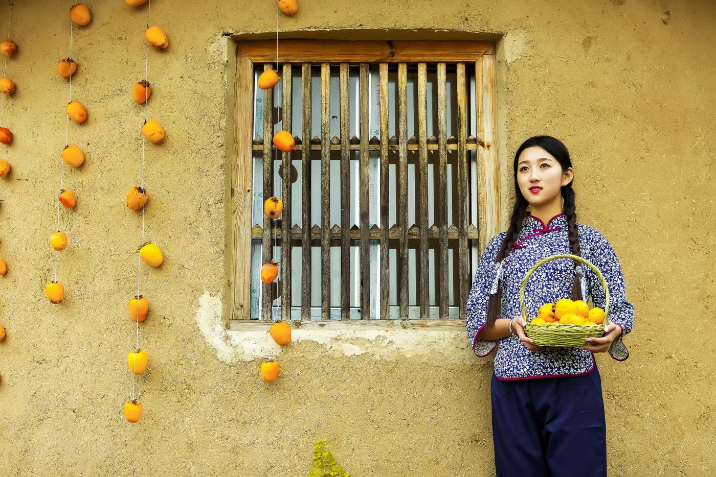 煎饼mm刘晓旭来到蒙山人家柿子节客串柿子西施_图1-19