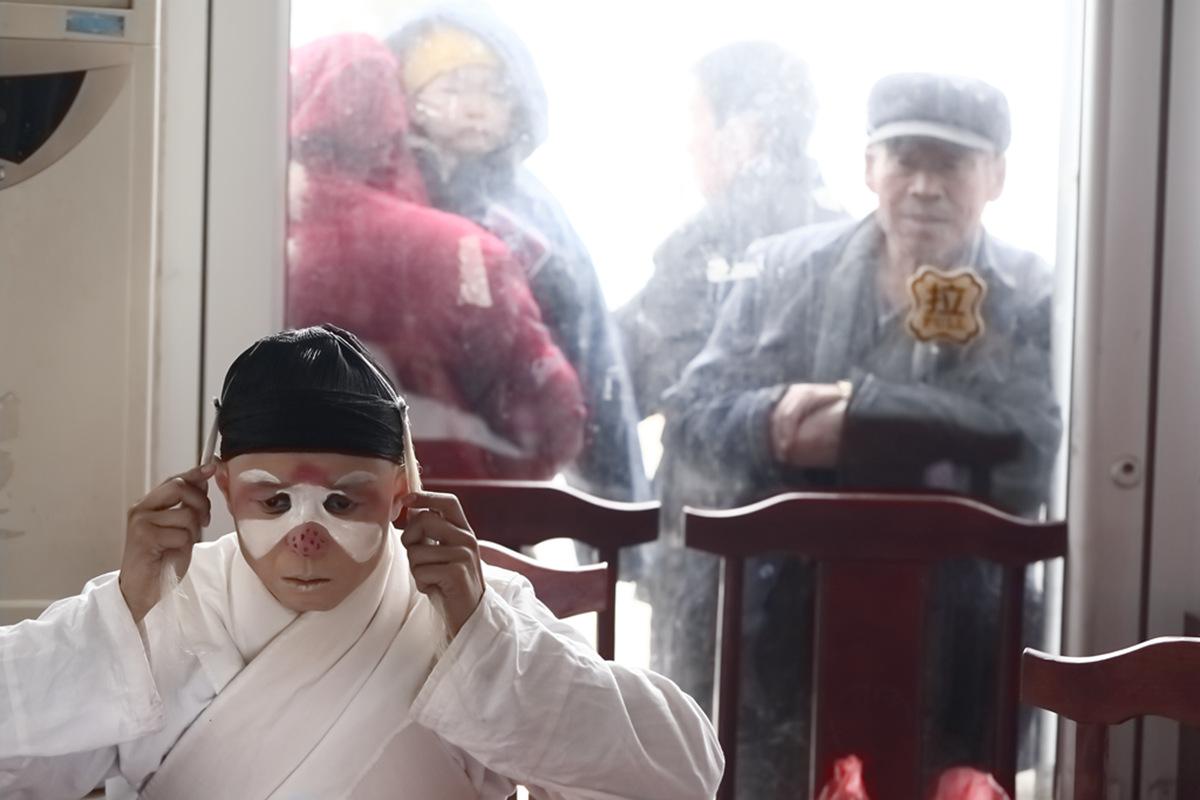 山东柳子戏剧团在寒风中为河东区人民送上一台文化大餐_图1-19