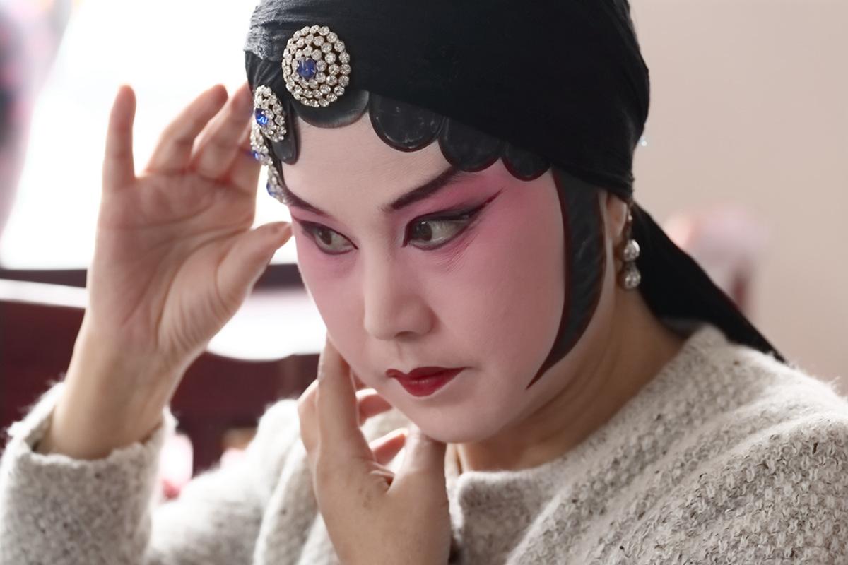山东柳子戏剧团在寒风中为河东区人民送上一台文化大餐_图1-20