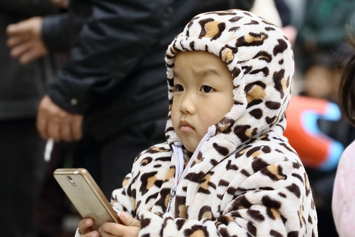 山东柳子戏剧团在寒风中为河东区人民送上一台文化大餐_图1-25