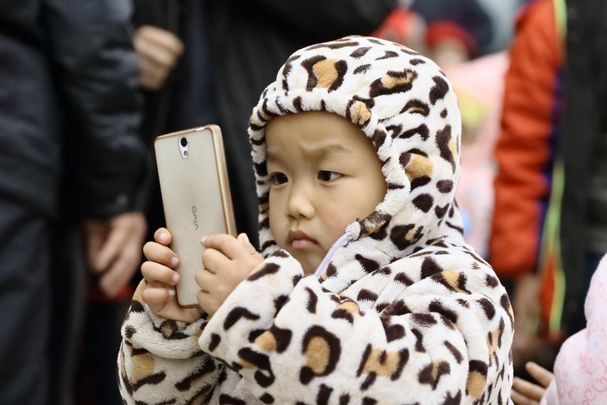 山东柳子戏剧团在寒风中为河东区人民送上一台文化大餐_图1-26