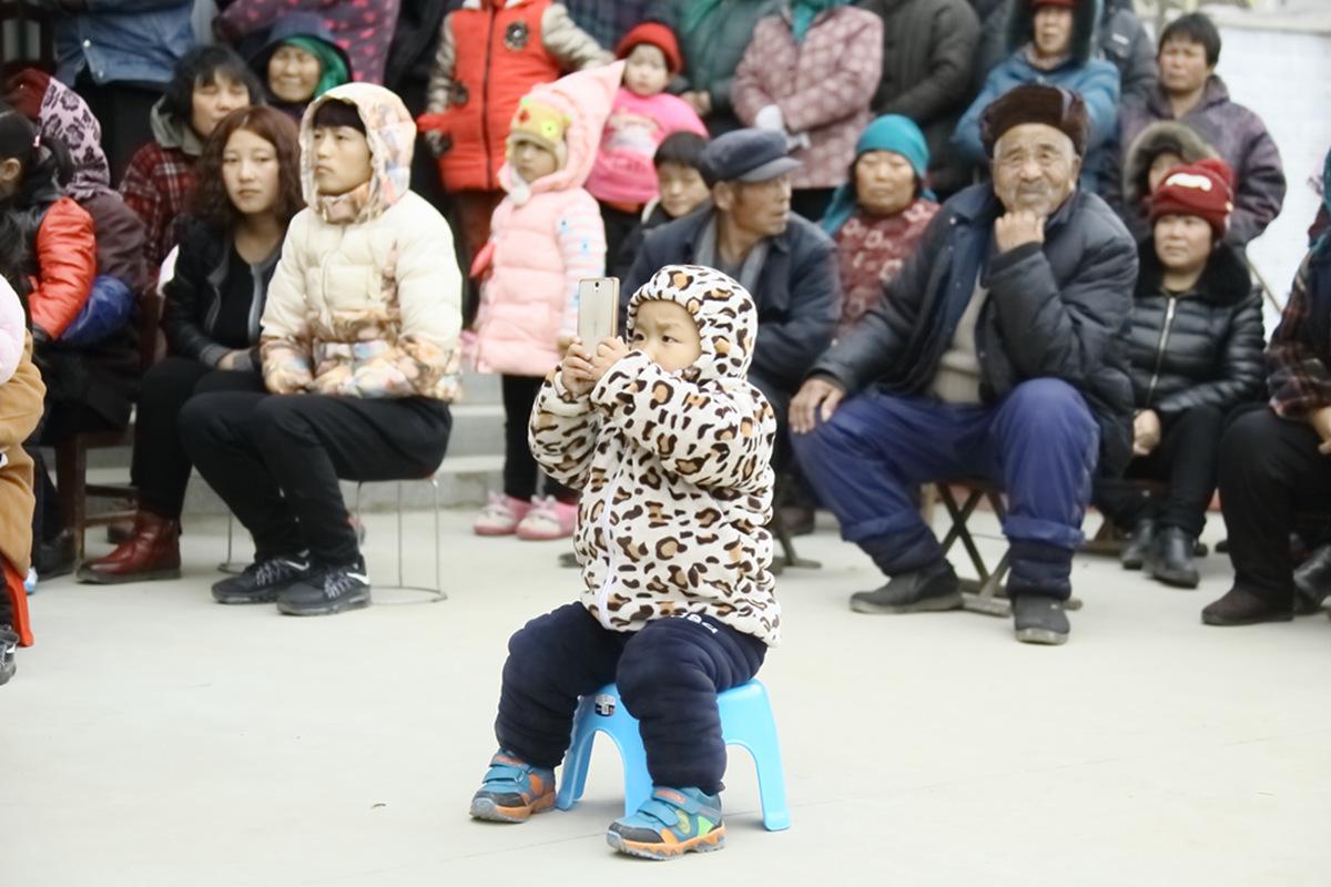 山东柳子戏剧团在寒风中为河东区人民送上一台文化大餐_图1-28