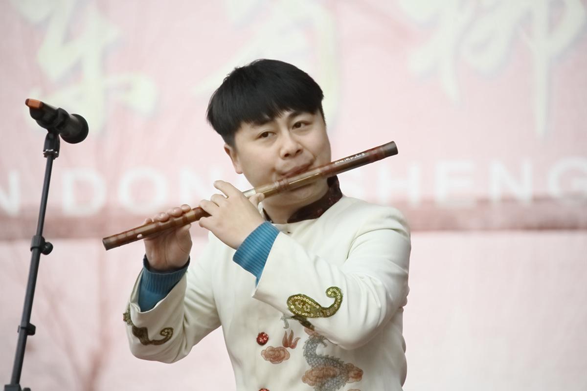 山东柳子戏剧团在寒风中为河东区人民送上一台文化大餐_图1-29