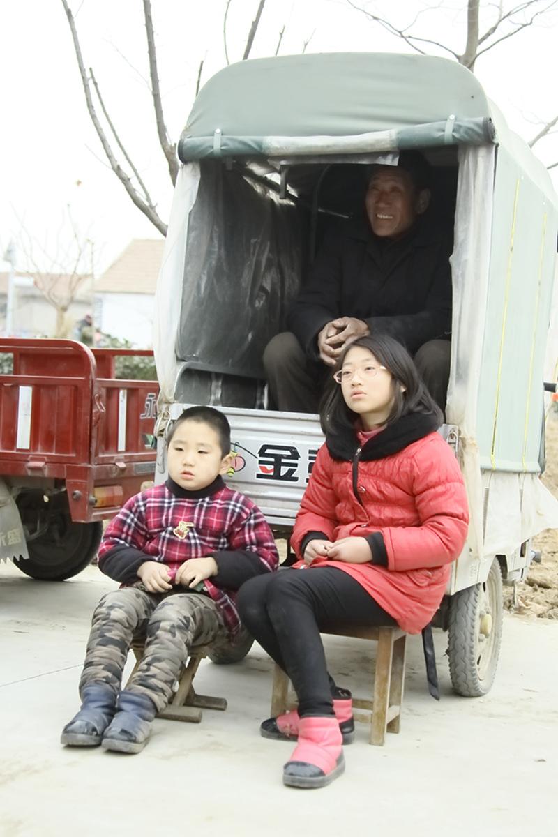 山东柳子戏剧团在寒风中为河东区人民送上一台文化大餐_图1-30