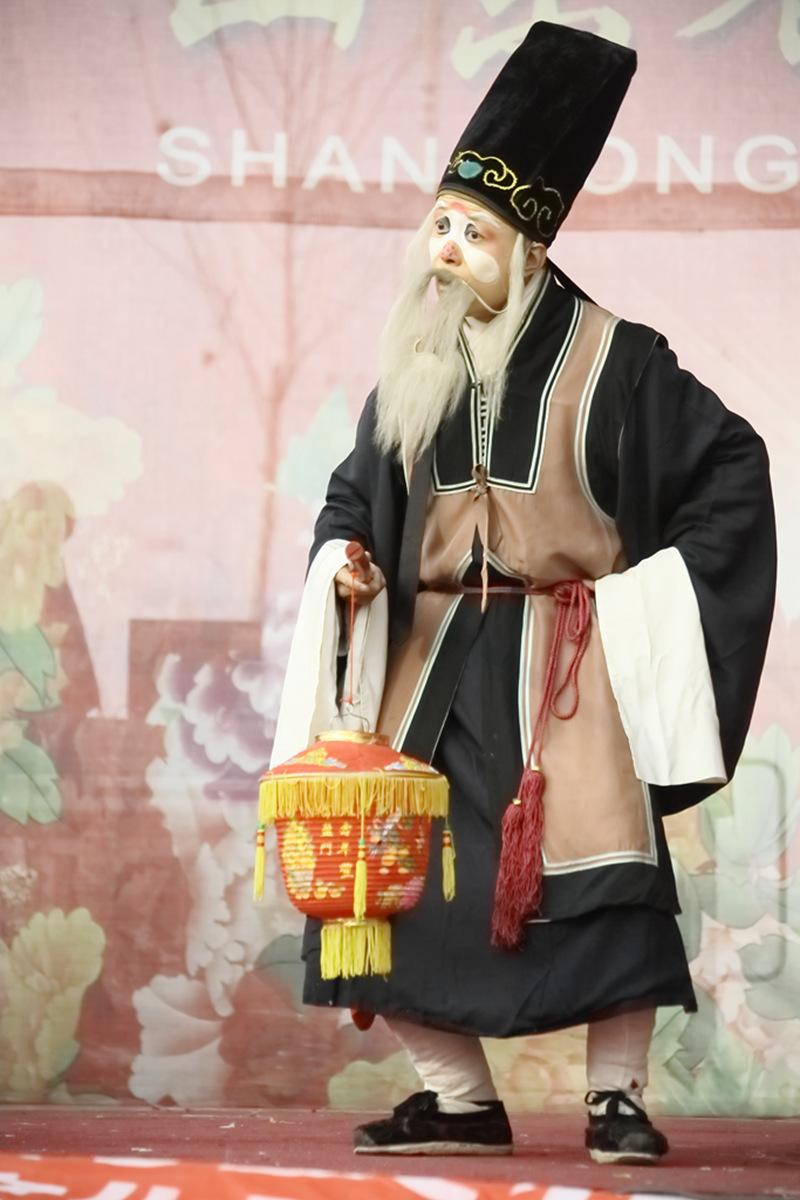 山东柳子戏剧团在寒风中为河东区人民送上一台文化大餐_图1-33