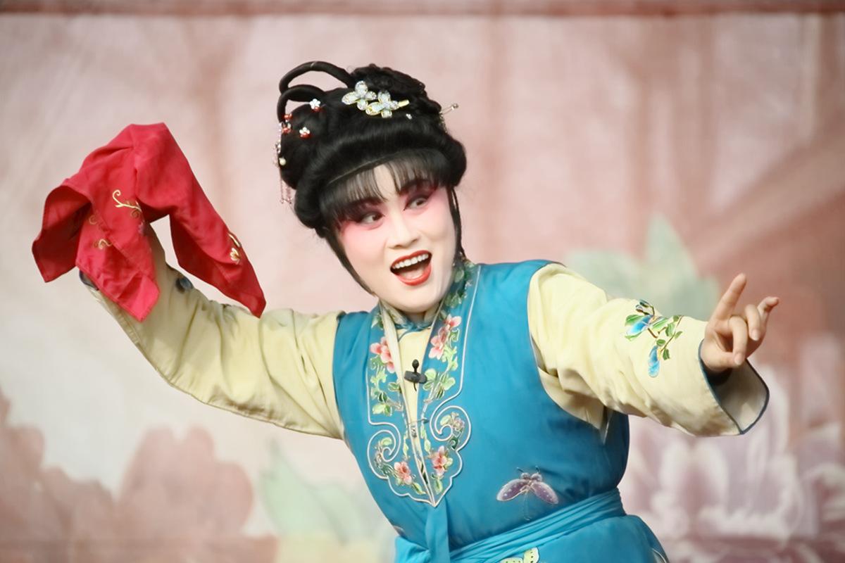 山东柳子戏剧团在寒风中为河东区人民送上一台文化大餐_图1-35