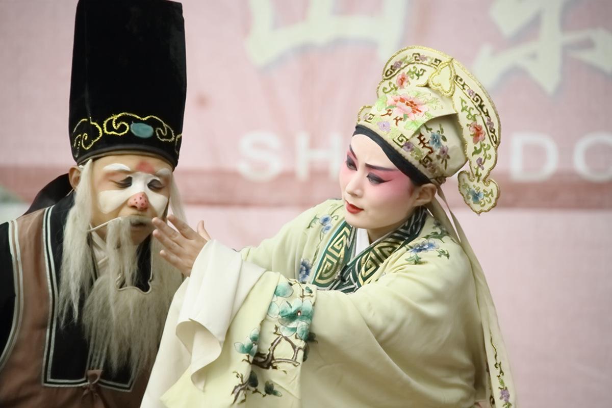 山东柳子戏剧团在寒风中为河东区人民送上一台文化大餐_图1-38