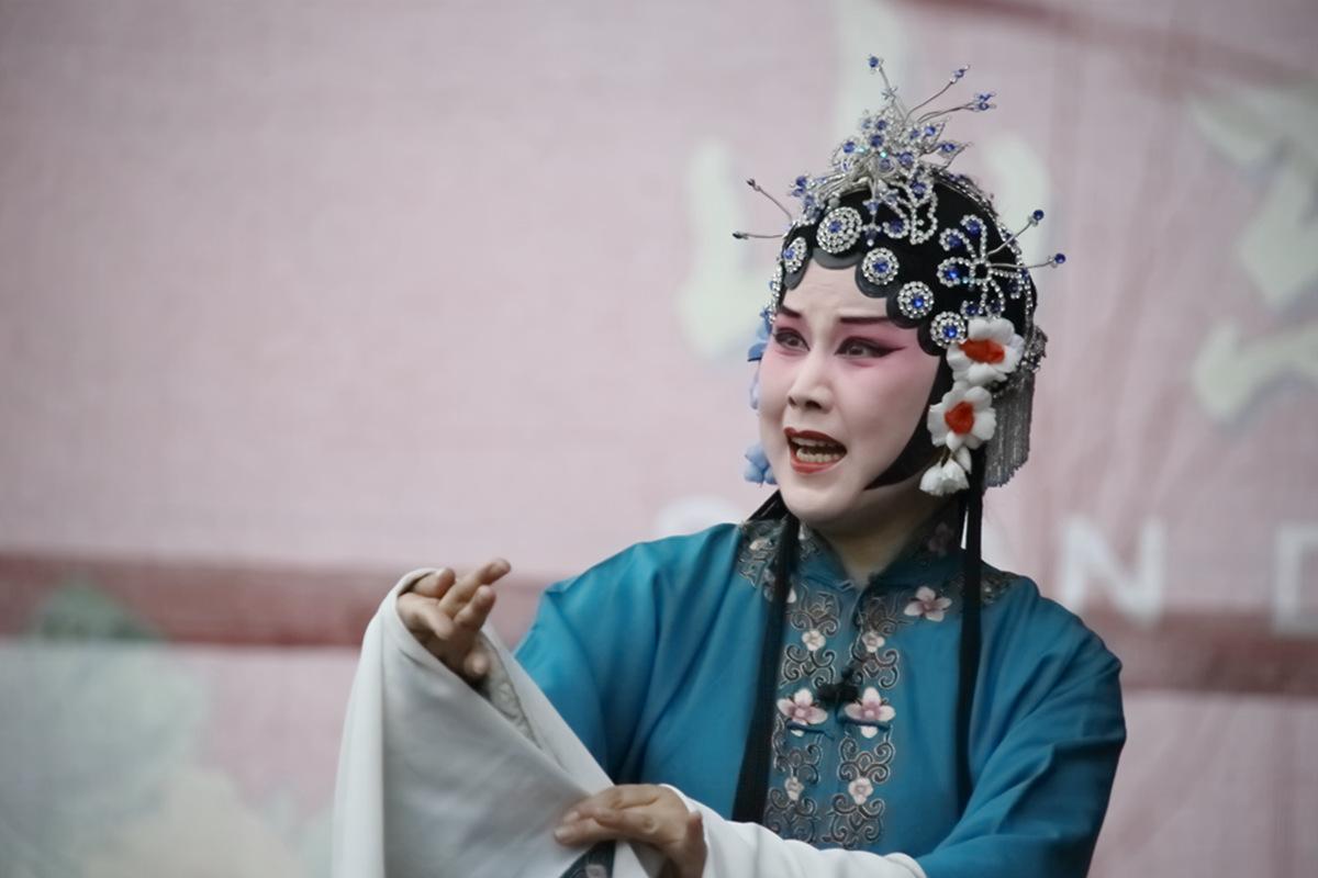 山东柳子戏剧团在寒风中为河东区人民送上一台文化大餐_图1-48