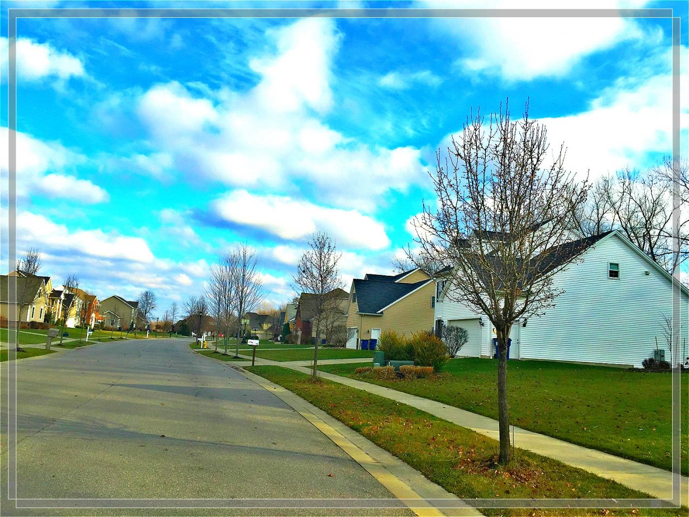 4格照片---蓝蓝的天空白云飘_图1-2