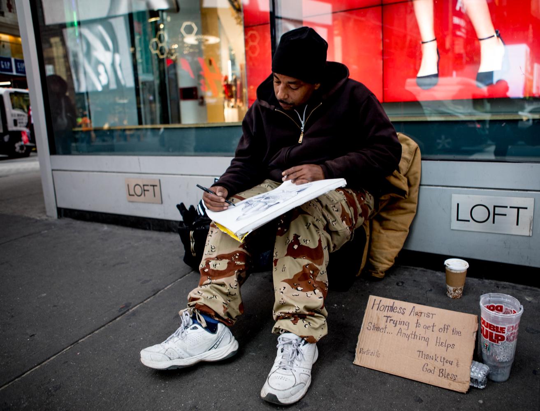 紐約時代廣場旁一位流浪畫家161213_图1-5