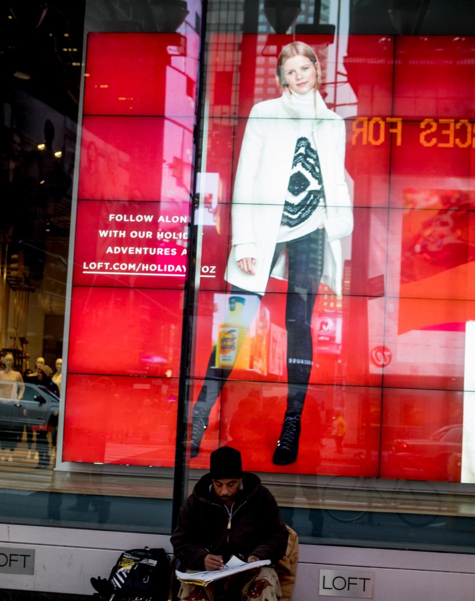 紐約時代廣場旁一位流浪畫家161213_图1-10