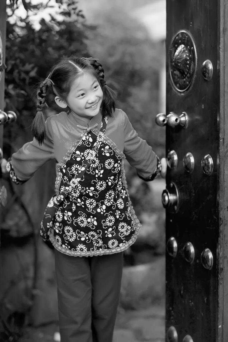 沂蒙小精灵(李欣蔚崔熙恩)第四季 黑白的图片 快乐的童年_图1-2